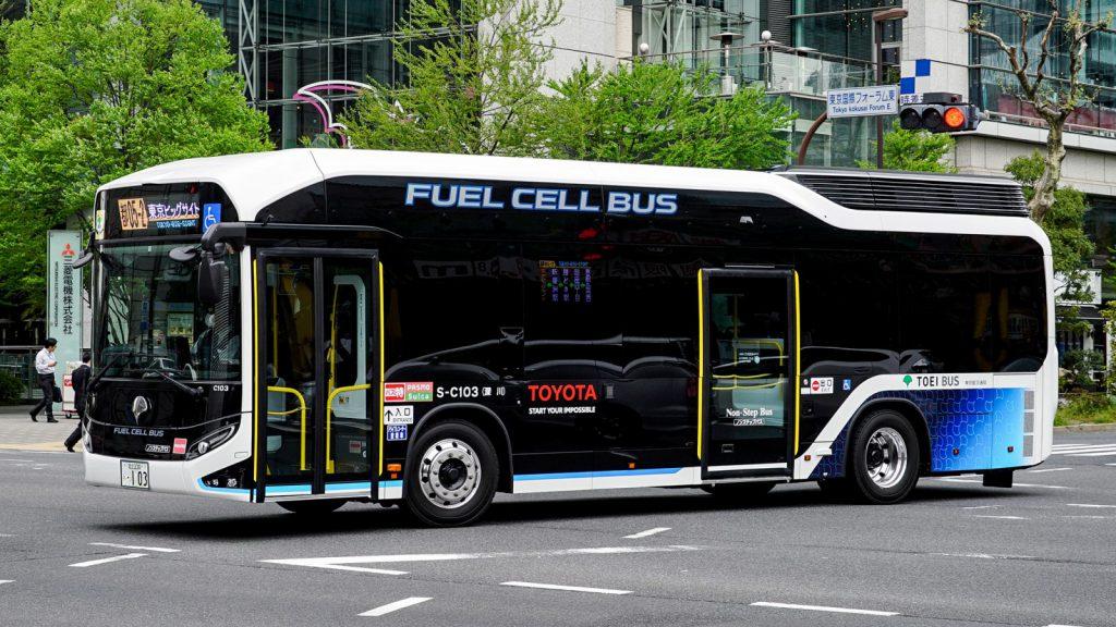 量産型燃料電池バス(C代)が3輛納車、3月末よりデビュー